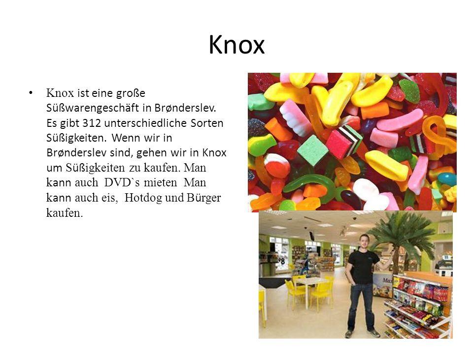 Knox Knox ist eine große Süßwarengeschäft in Brønderslev. Es gibt 312 unterschiedliche Sorten Süßigkeiten. Wenn wir in Brønderslev sind, gehen wir in