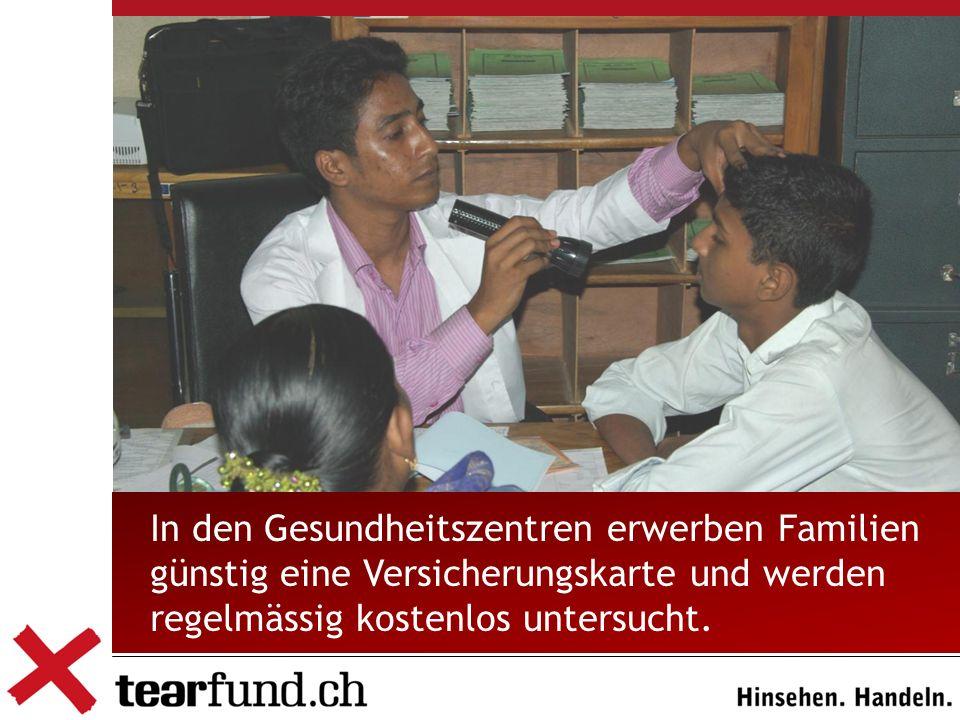 In den Gesundheitszentren erwerben Familien günstig eine Versicherungskarte und werden regelmässig kostenlos untersucht.