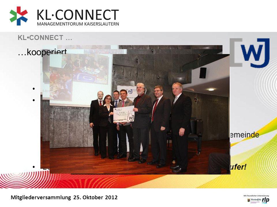Mitgliederversammlung 25. Oktober 2012 Bei der Weihnachtslotterie, einer Verlosungsaktion Offizielle Spendenfeier mit Übergabe von 10.000 Euro: Förder