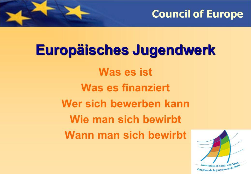 Council of Europe Pilotprojekte Menschenrechtserziehung (D- HRE) Prioritäten 2009 Projekte: Die lokale Strategien für den interkulturellen Dialog junger Menschen entwickeln, die in hoch multikulturellen Umgebungen leben Auf lokaler oder regionaler Ebene, die Menschenrechtserziehung und –Trainings mit und für junge Menschen entwickeln
