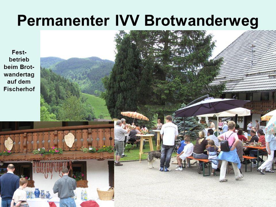 Permanenter IVV Brotwanderweg Fest- betrieb beim Brot- wandertag auf dem Fischerhof