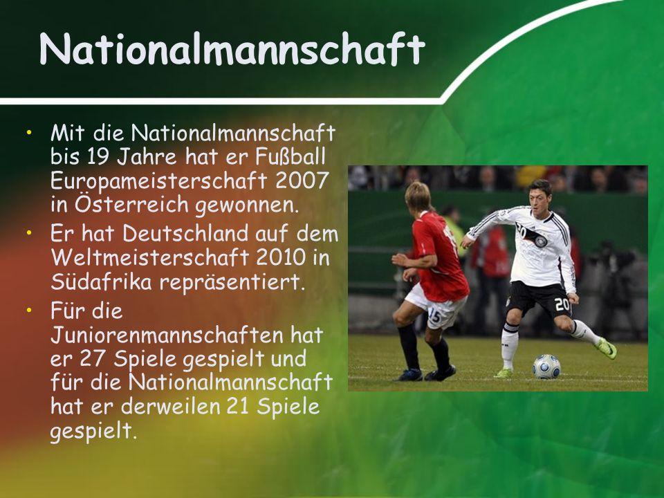 Nationalmannschaft Mit die Nationalmannschaft bis 19 Jahre hat er Fußball Europameisterschaft 2007 in Österreich gewonnen. Er hat Deutschland auf dem