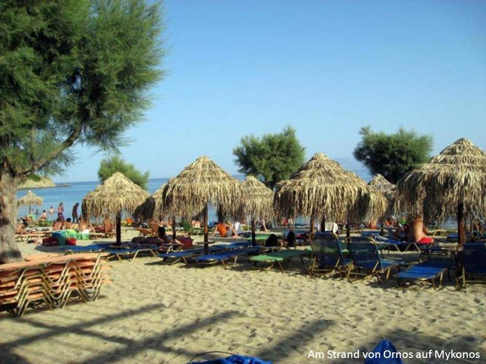 Am Strand von Ornos auf Mykonos