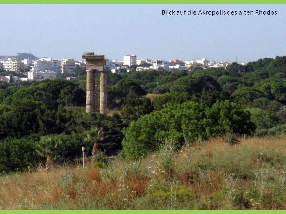 Blick auf die Akropolis des alten Rhodos