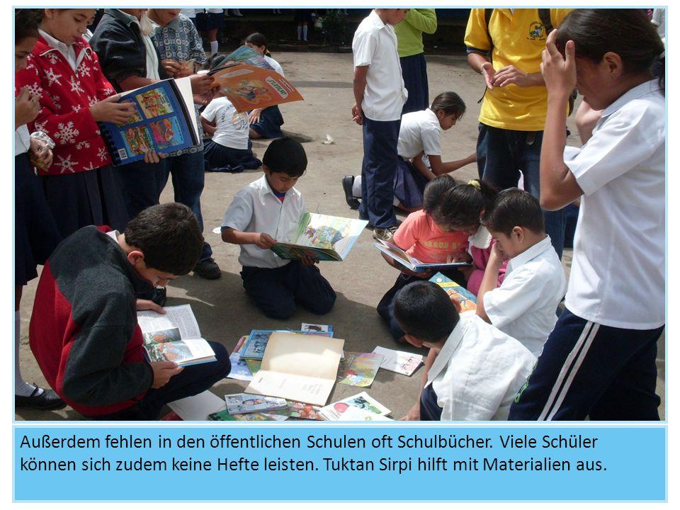 Außerdem fehlen in den öffentlichen Schulen oft Schulbücher. Viele Schüler können sich zudem keine Hefte leisten. Tuktan Sirpi hilft mit Materialien a