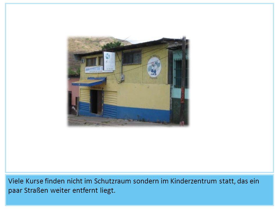 Viele Kurse finden nicht im Schutzraum sondern im Kinderzentrum statt, das ein paar Straßen weiter entfernt liegt.