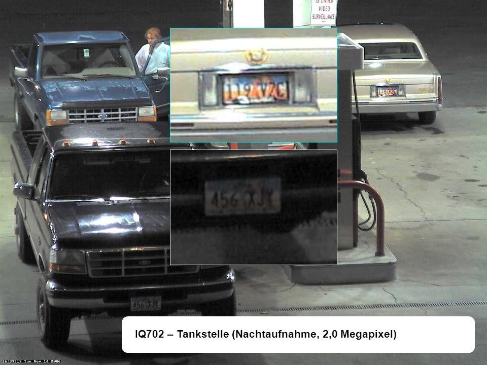IQ702 – Tankstelle (Nachtaufnahme, 2,0 Megapixel)