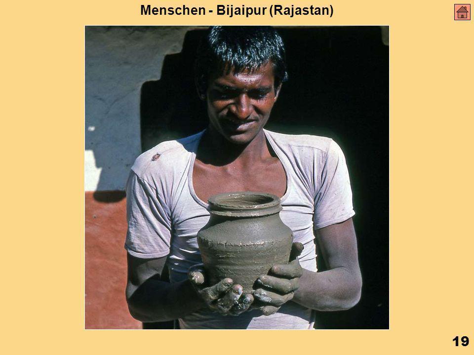 19 Menschen - Bijaipur (Rajastan)