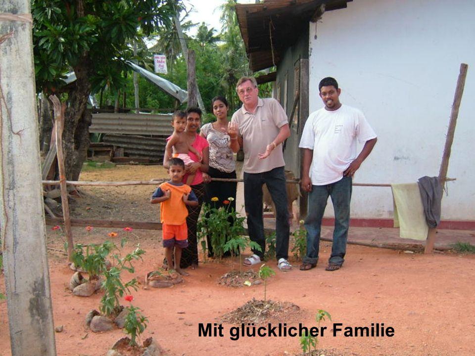 Mit glücklicher Familie