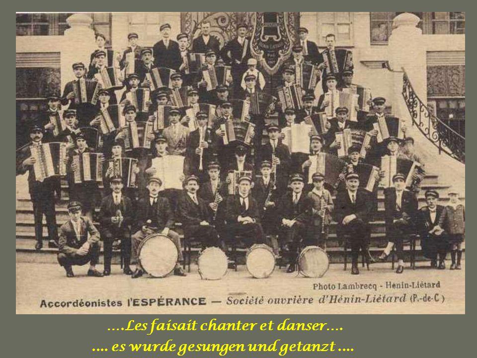 La Musique les rassemblait …… Die Musik brachte sie zusammen......