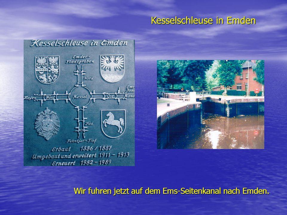 Kesselschleuse in Emden Wir fuhren jetzt auf dem Ems-Seitenkanal nach Emden.