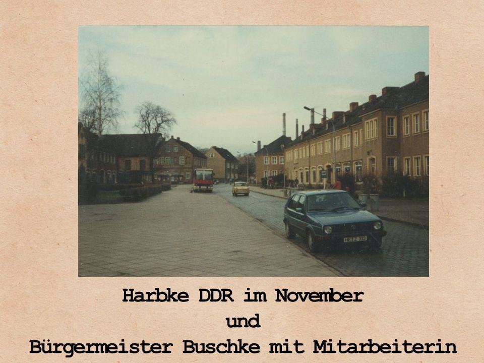 Harbke DDR im November und Bürgermeister Buschke mit Mitarbeiterin