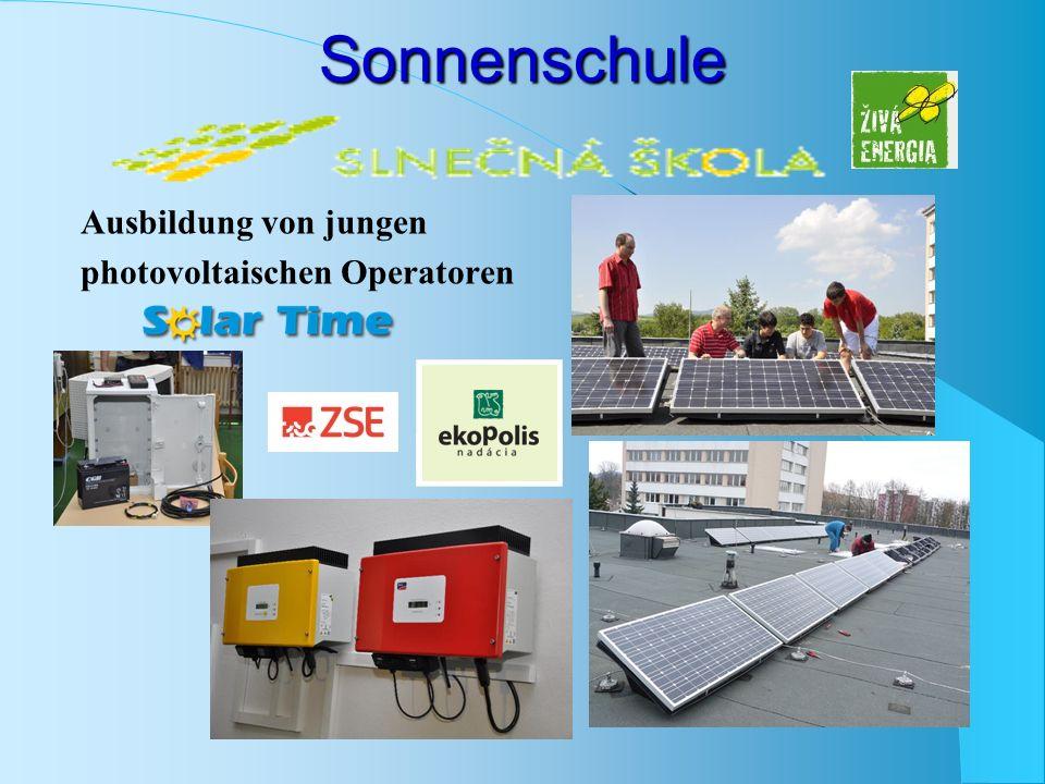 Sonnenschule Ausbildung von jungen photovoltaischen Operatoren