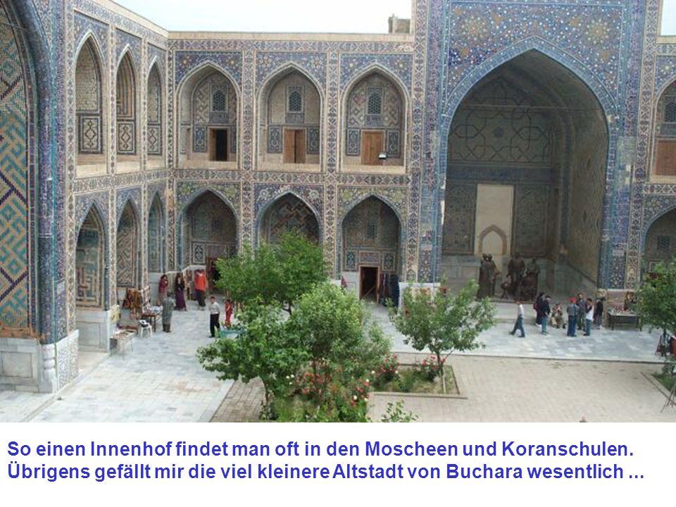 So einen Innenhof findet man oft in den Moscheen und Koranschulen.