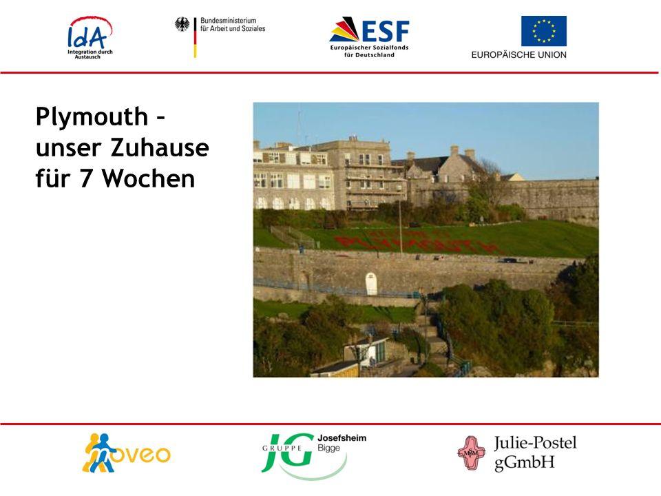 Einwohner 275.000 liegt in der Grafschaft Devon und grenzt an Cornwall größte Stadt am englischen Ärmelkanal Standort der königlichen Marinewerft mit größtem Marinehafen Westeuropas Ausgangspunkt mehrerer Übersee-Expeditionen, u.a.