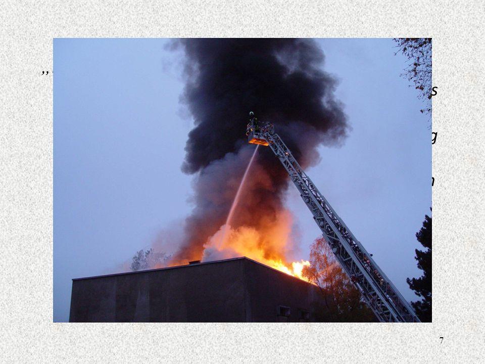 7 In Berlin haben gestern einige Haushaltsroboter einen Geb ä udebrand im St ä dtischen Krankenhaus verursacht. Der Brand brach mitten in der Nacht au