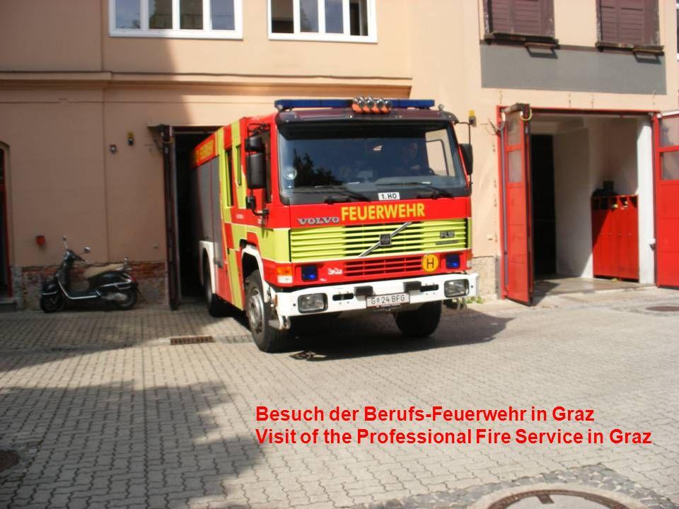 Besuch der Berufs-Feuerwehr in Graz Visit of the Professional Fire Service in Graz