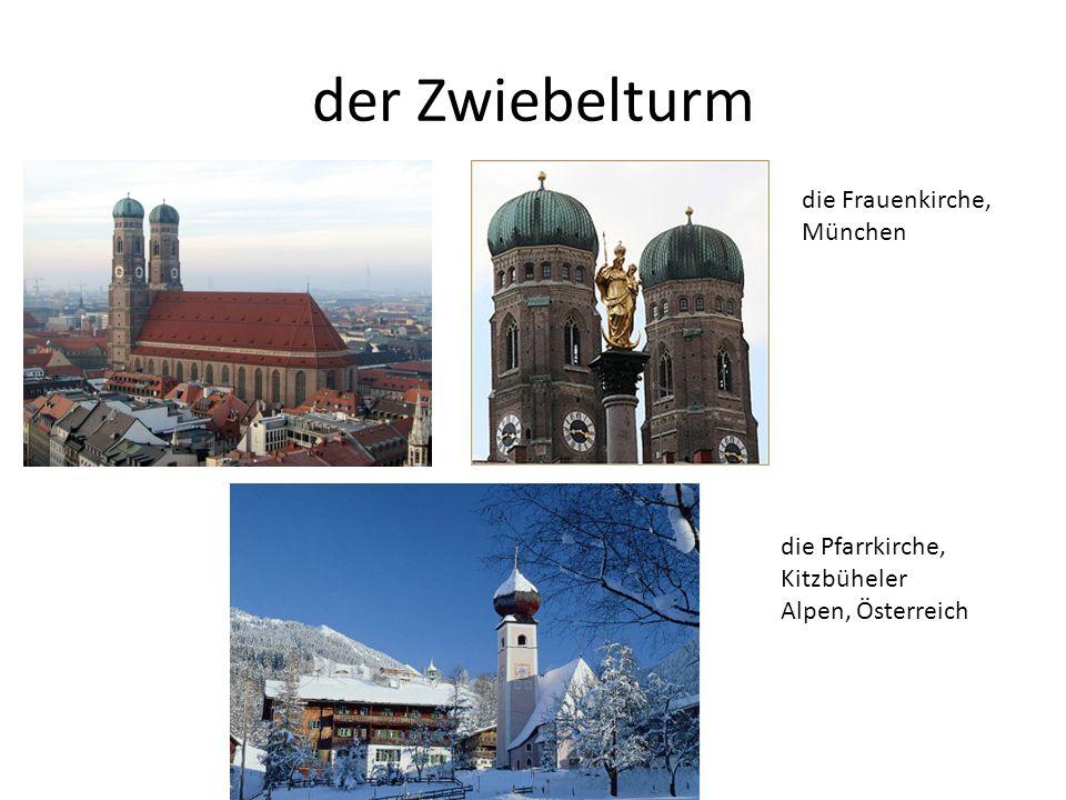 der Zwiebelturm die Frauenkirche, München die Pfarrkirche, Kitzbüheler Alpen, Österreich