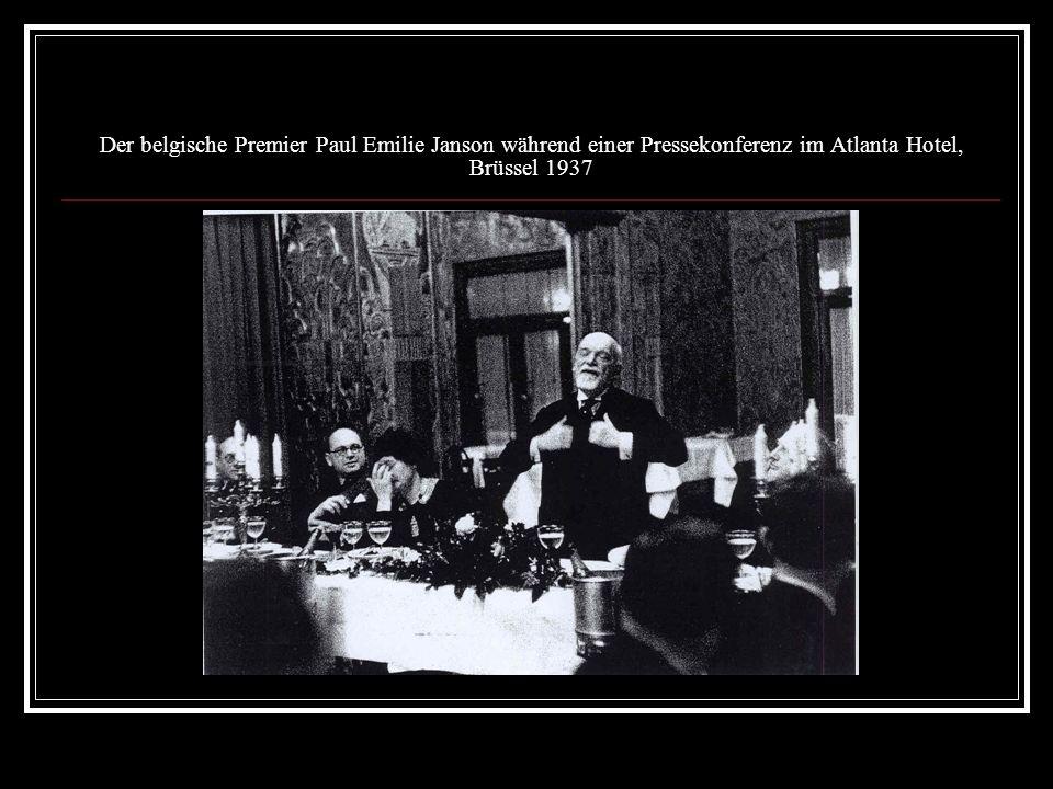 Der belgische Premier Paul Emilie Janson während einer Pressekonferenz im Atlanta Hotel, Brüssel 1937