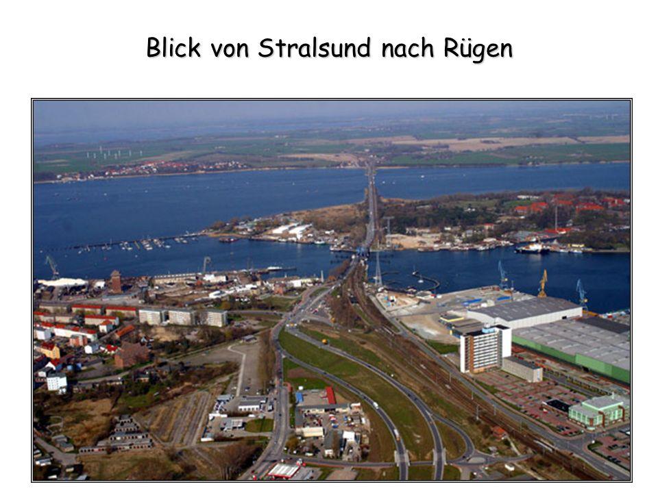 Blick von Stralsund nach Rügen