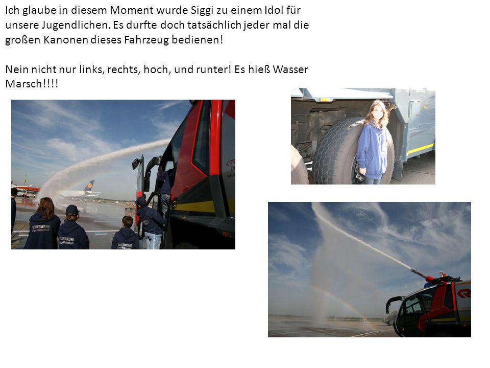 Damit durften wir erleben was es heißt ein 1200 PS starkes Feuerwehrfahrzeug, unter Volldampf zu spüren.