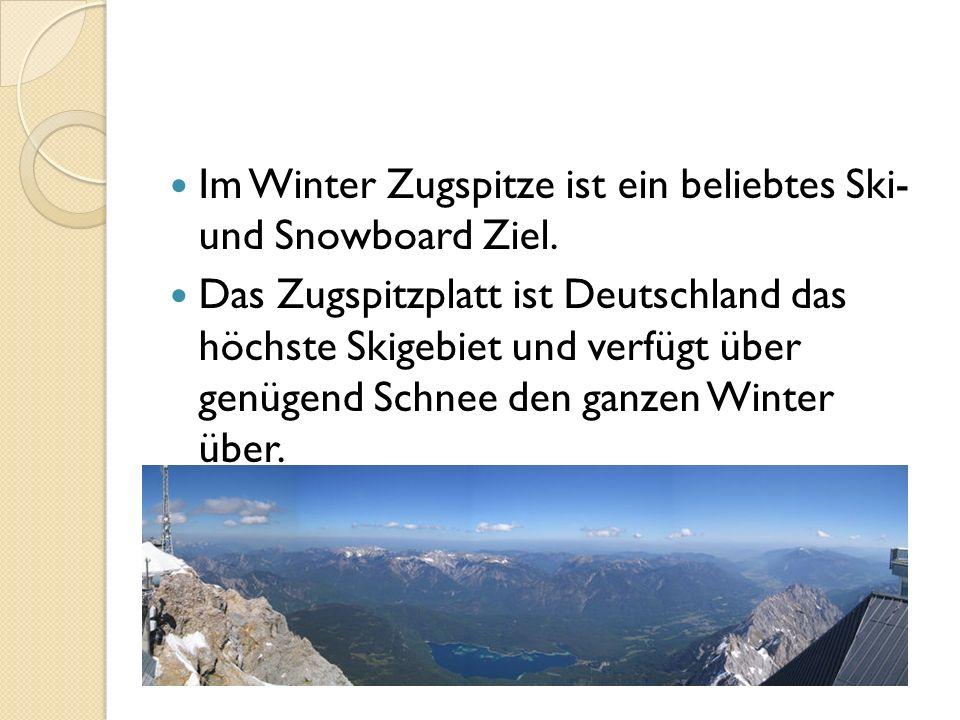 Im Winter Zugspitze ist ein beliebtes Ski- und Snowboard Ziel. Das Zugspitzplatt ist Deutschland das höchste Skigebiet und verfügt über genügend Schne