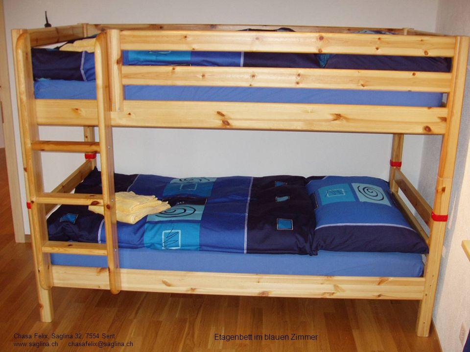 Etagenbett im blauen Zimmer Chasa Felix, Saglina 32, 7554 Sent www.saglina.ch chasafelix@saglina.ch