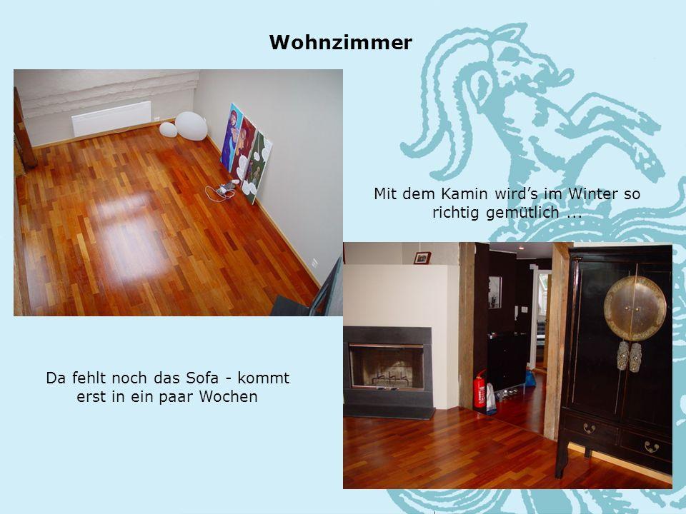Da fehlt noch das Sofa - kommt erst in ein paar Wochen Wohnzimmer Mit dem Kamin wirds im Winter so richtig gemütlich...