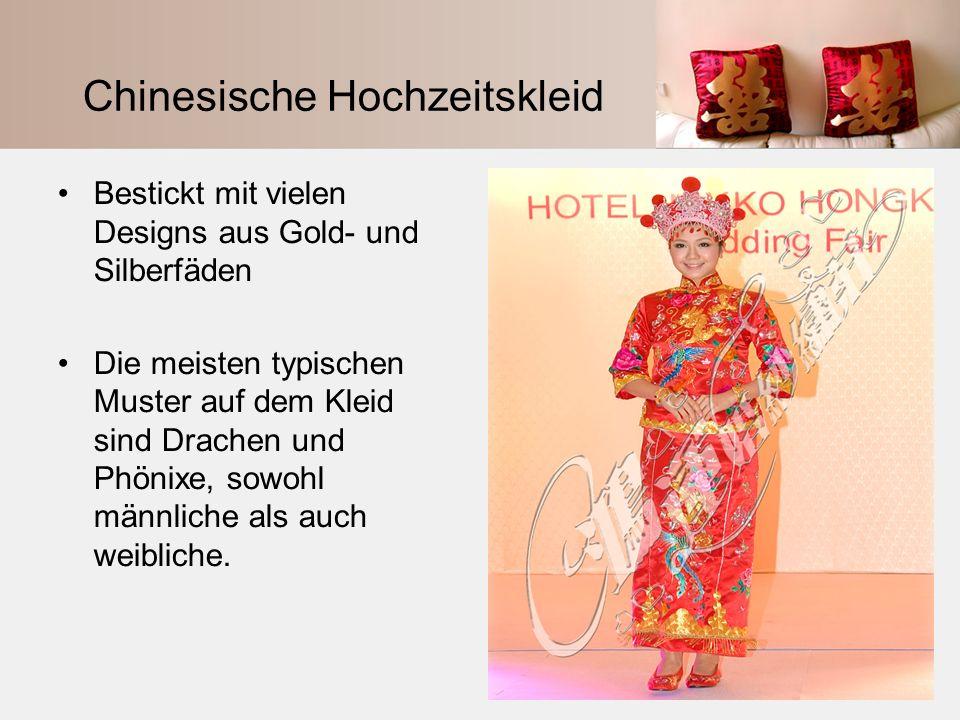 Chinesische Hochzeitskleid Bestickt mit vielen Designs aus Gold- und Silberfäden Die meisten typischen Muster auf dem Kleid sind Drachen und Phönixe,