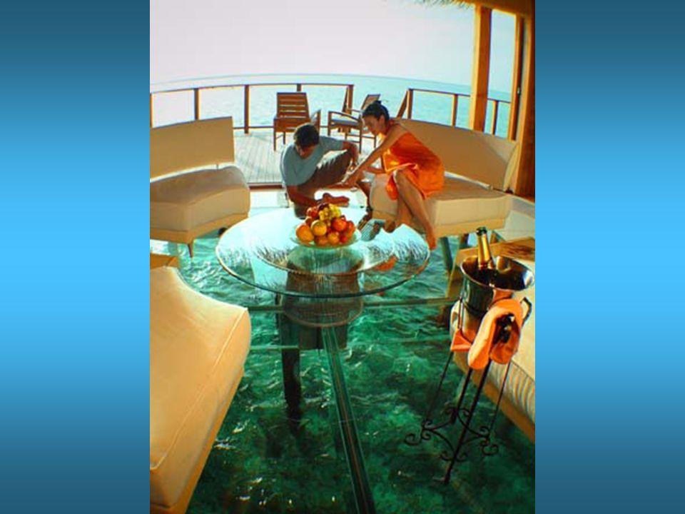 Ausrüstung zum Fischen und Schnorcheln ist unter´m Bett