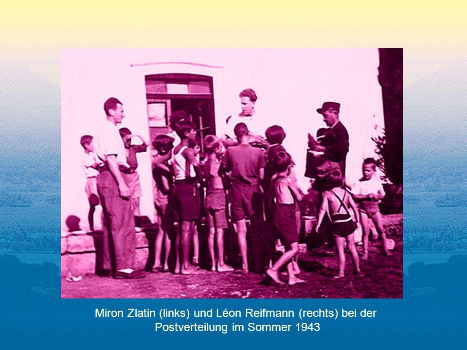 Miron Zlatin (links) und Léon Reifmann (rechts) bei der Postverteilung im Sommer 1943