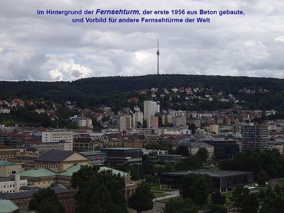 Im Hintergrund der Fernsehturm, der erste 1956 aus Beton gebaute, und Vorbild für andere Fernsehtürme der Welt
