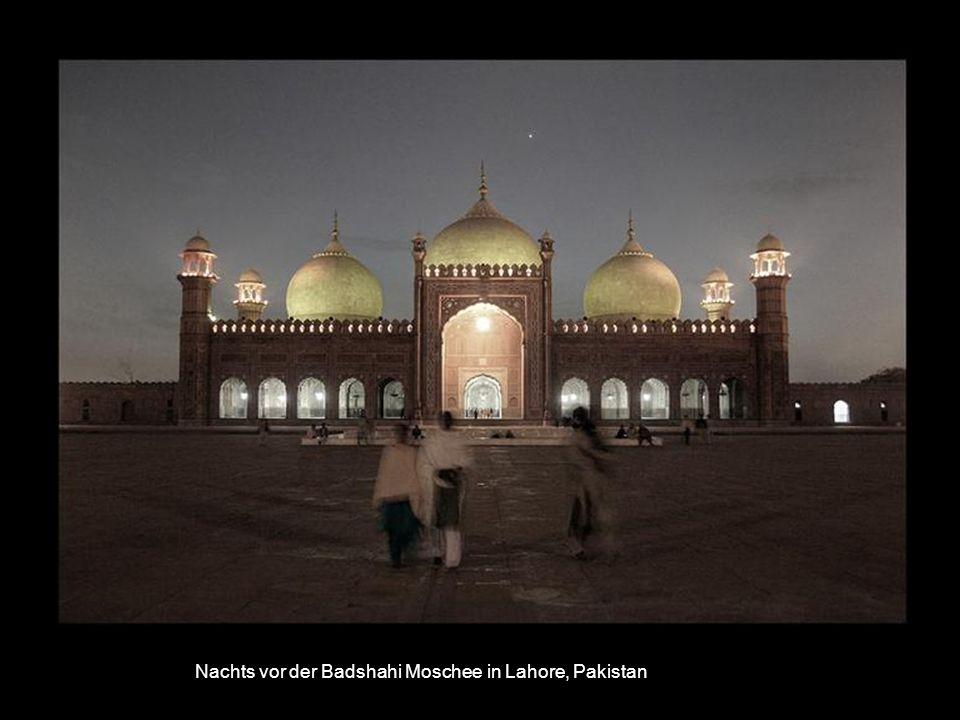 Im Untergrund vom Lahore Fort