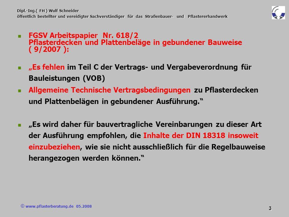 © www.pflasterberatung.de 05.2008 34 Dipl.-Ing.( FH ) Wulf Schneider öffentlich bestellter und vereidigter Sachverständiger für das Straßenbauer- und Pflastererhandwerk Vertragsbedingungen Vertragsbedingungen Herstellung von Pflasterdecken / Plattenbelägen in gebundener Ausführung / Versetzen der Belagselemente Pflastersteine/Platten mit Maßen außerhalb der zulässigen Toleranz oder mit Beschädigungen sind auszusortieren; für die Herstellung in Reihen ist das Pflaster / die Platten hinsichtlich der Breite zu sortieren.