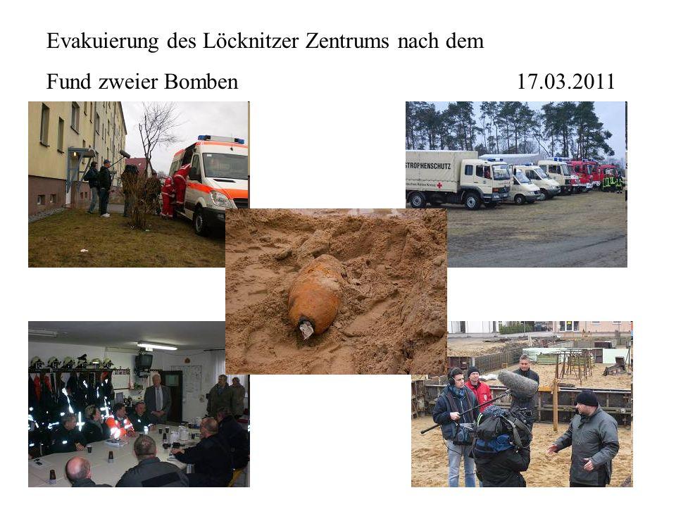 Evakuierung des Löcknitzer Zentrums nach dem Fund zweier Bomben 17.03.2011