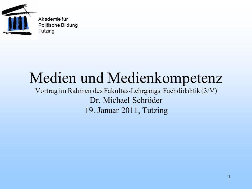 1 Medien und Medienkompetenz Vortrag im Rahmen des Fakultas-Lehrgangs Fachdidaktik (3/V) Dr.