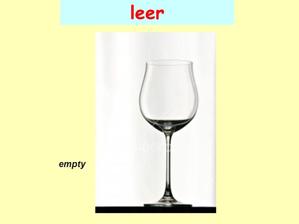 leer empty