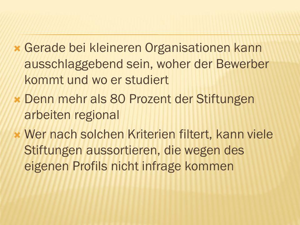 Von Unis Geld fürs Studium zu bekommen, ist in Deutschland noch sehr ungewöhnlich Die Anforderungen sollten Studienanfänger rechtzeitig bei ihrer Wunschuni erfragen Meistens sind gute Noten und Bedürftigkeit Voraussetzung In Niedersachsen sollen es bald monatliche Zuschüsse der Stiftungen geben