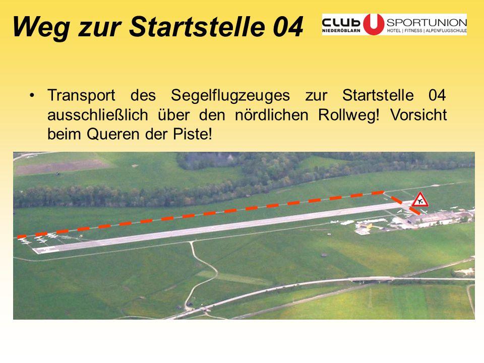 Weg zur Startstelle 04 Transport des Segelflugzeuges zur Startstelle 04 ausschließlich über den nördlichen Rollweg! Vorsicht beim Queren der Piste!