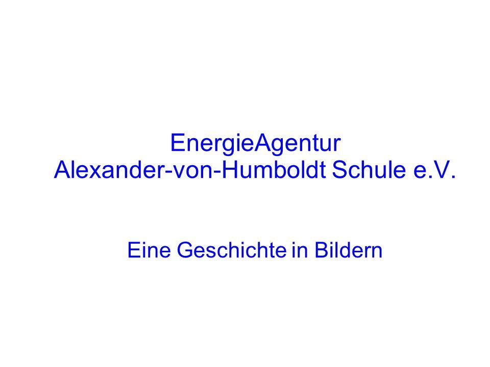 Projekte seit 1993 Sonnenkollektor Thermostatventile Pumpen Steuerung der Heizungsanlage Galeriebeleuchtung Wasserspartechnik Lampen-Projekt Beteiligung an Windkraftanlagen 2 Photovoltaikanlagen Neue Galeriebeleuchtung Mit Hilfe dieser Projekte wird die Energieagentur der Alexander-von-Humboldt-Schule Viernheim zusätzlich zu der Schadstoffersparnis bis 2020 ca.