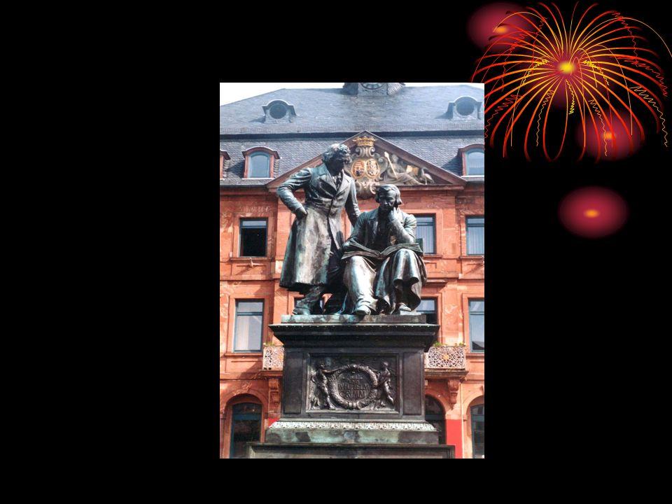 In den Jahren 1816 und 1818 erschienen die beiden Bände einer Sagensammlung (Deutsche Sagen), die allerdings nicht den breiten Erfolg hatte wie ihre Märchensammlung.