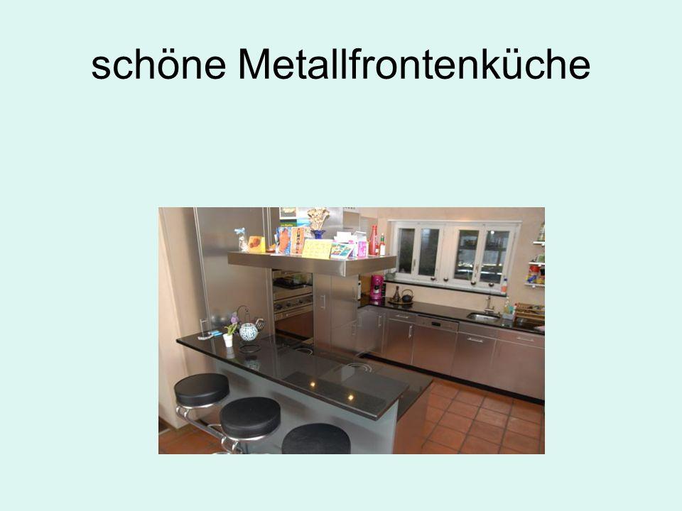 schöne Metallfrontenküche