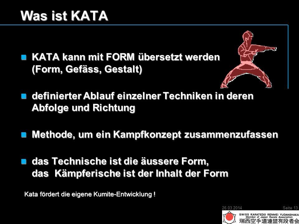 Was ist KATA KATA kann mit FORM übersetzt werden (Form, Gefäss, Gestalt) KATA kann mit FORM übersetzt werden (Form, Gefäss, Gestalt) definierter Ablauf einzelner Techniken in deren Abfolge und Richtung definierter Ablauf einzelner Techniken in deren Abfolge und Richtung Methode, um ein Kampfkonzept zusammenzufassen Methode, um ein Kampfkonzept zusammenzufassen das Technische ist die äussere Form, das Kämpferische ist der Inhalt der Form das Technische ist die äussere Form, das Kämpferische ist der Inhalt der Form Kata fördert die eigene Kumite-Entwicklung .