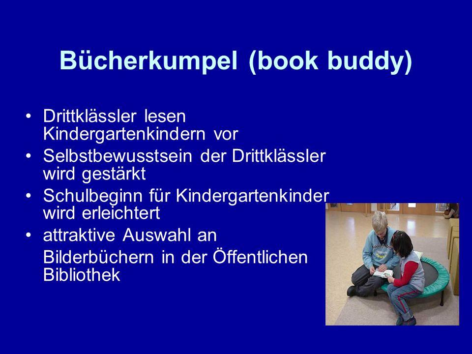 Bücherkumpel (book buddy) Drittklässler lesen Kindergartenkindern vor Selbstbewusstsein der Drittklässler wird gestärkt Schulbeginn für Kindergartenki