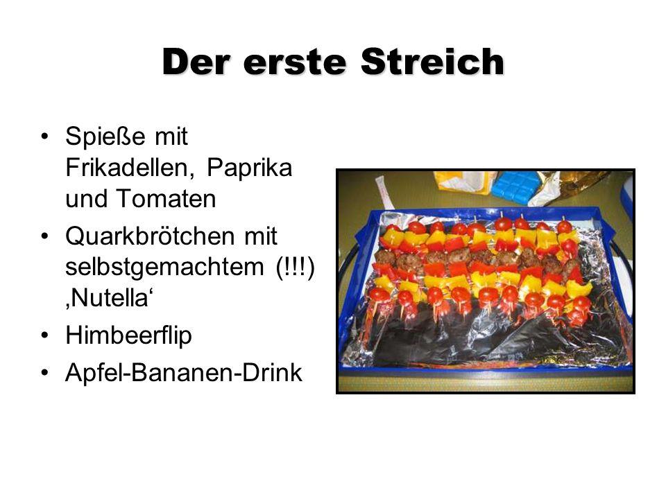 Der erste Streich Spieße mit Frikadellen, Paprika und Tomaten Quarkbrötchen mit selbstgemachtem (!!!) Nutella Himbeerflip Apfel-Bananen-Drink