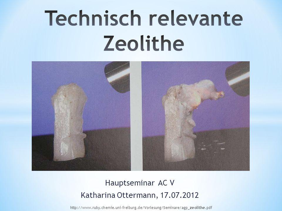 Zeolithe sind kristalline, hydratisierte Alumosilicate, synthetisiert oder natürlich vorkommend, mit Gerüststruktur, die Alkali- bzw.