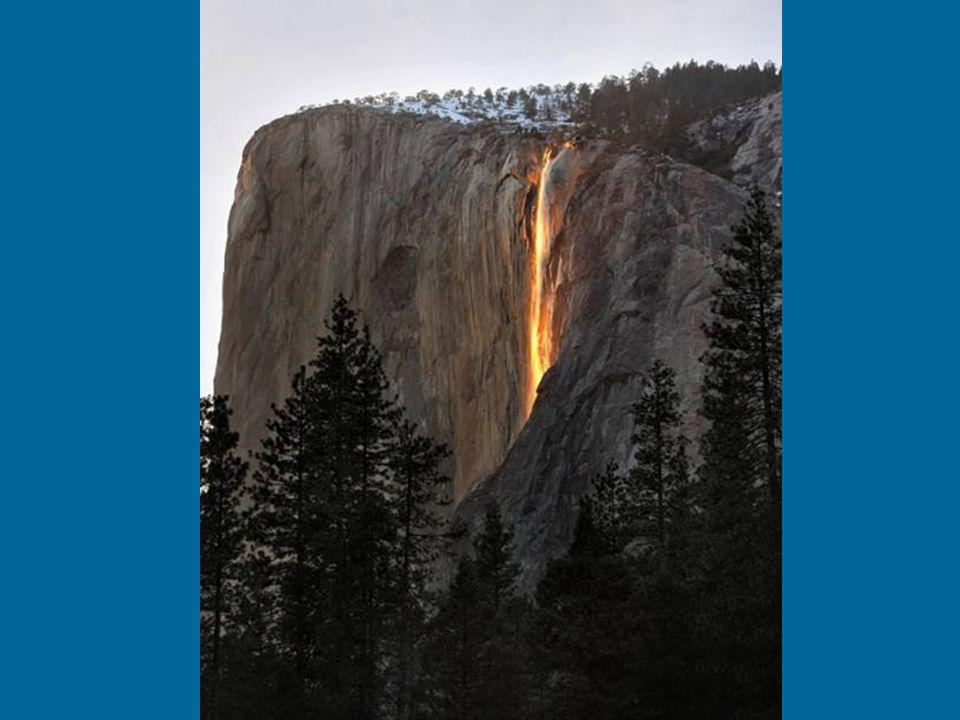 2.) Der bestimmte Winkel der Sonne zum Wasserfall. Die Position der Sonne sollte sich genau an einem bestimmten Punkt am Himmel befinden. Dies geschie