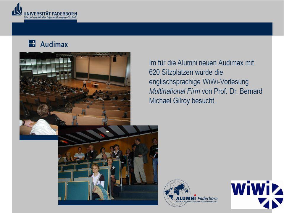 Im für die Alumni neuen Audimax mit 620 Sitzplätzen wurde die englischsprachige WiWi-Vorlesung Multinational Firm von Prof. Dr. Bernard Michael Gilroy