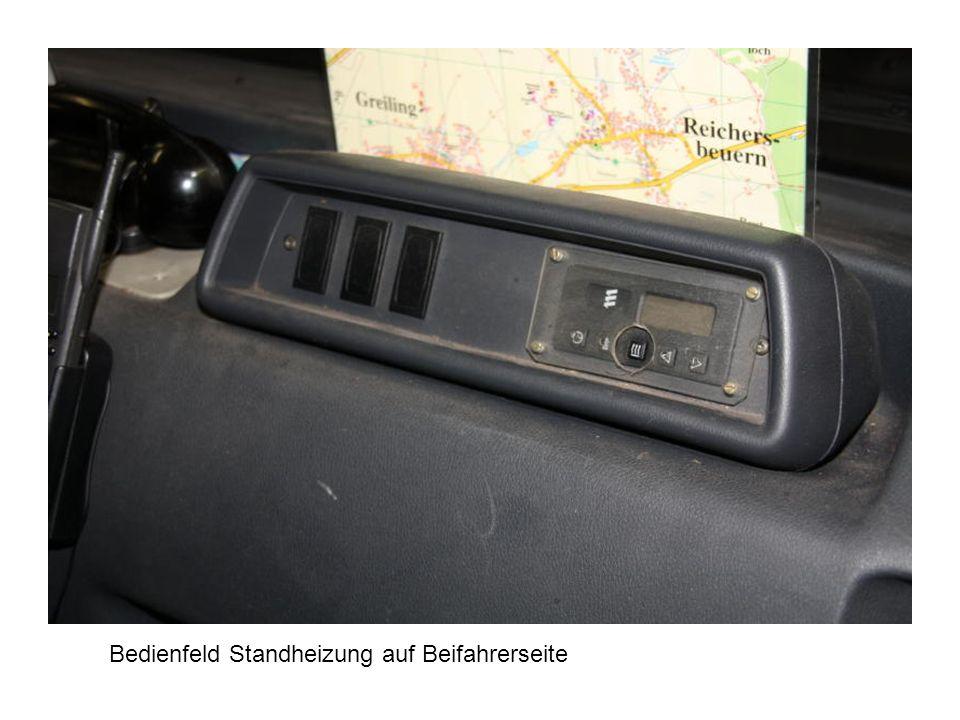 Bedienfeld Standheizung auf Beifahrerseite
