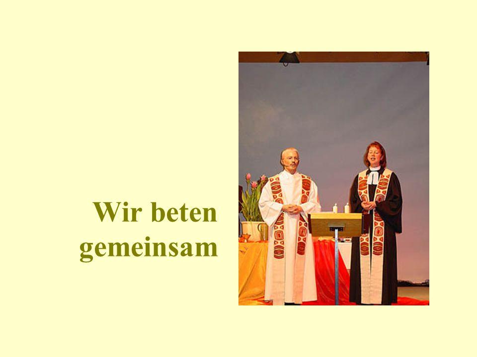 Auch der badische evangelische Landesbischof ist mit dabei Einzug Liturgen: Pastorin Annekatrin Haar, Bremen Pfarrer Wolfgang Schuhmacher Münster-Sarm